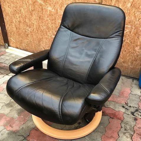 Stressless læderstol efter farvning med ROC Narvsværte