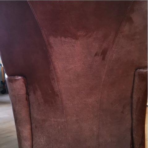 Læderstol behandles med gold quality læderfedt - før